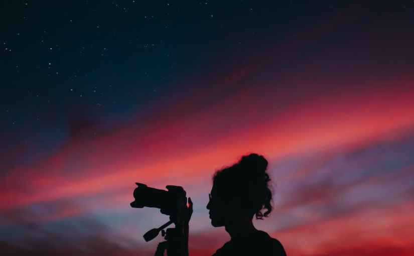 Le jour, la nuit, les étoiles, toutça.