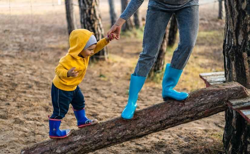 Le garçon invisible – Récit imaginaire d'un enfant avec des parentsandroïdes